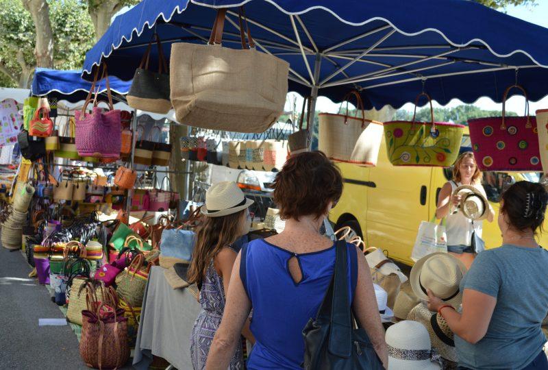 Marché provençal à Bourg-Saint-Andéol - 0