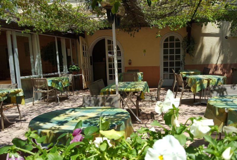Restaurant Le Chêne Vert à Bollène - 1