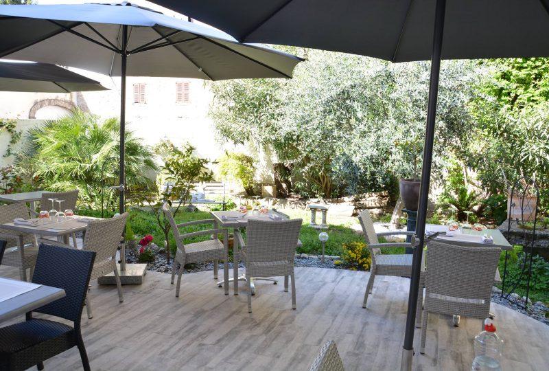 Restaurant Le Jardin de Tienou à Pierrelatte - 1