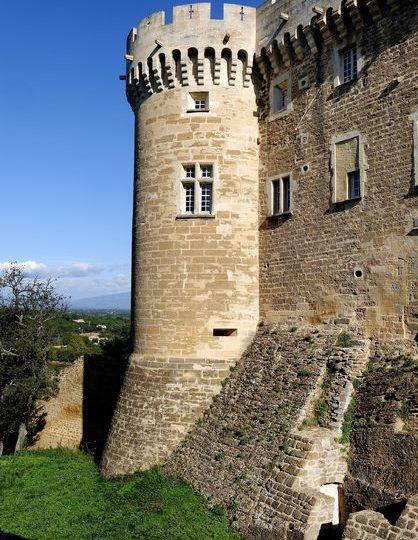 Château de Suze-la-Rousse à Suze-la-Rousse - 1