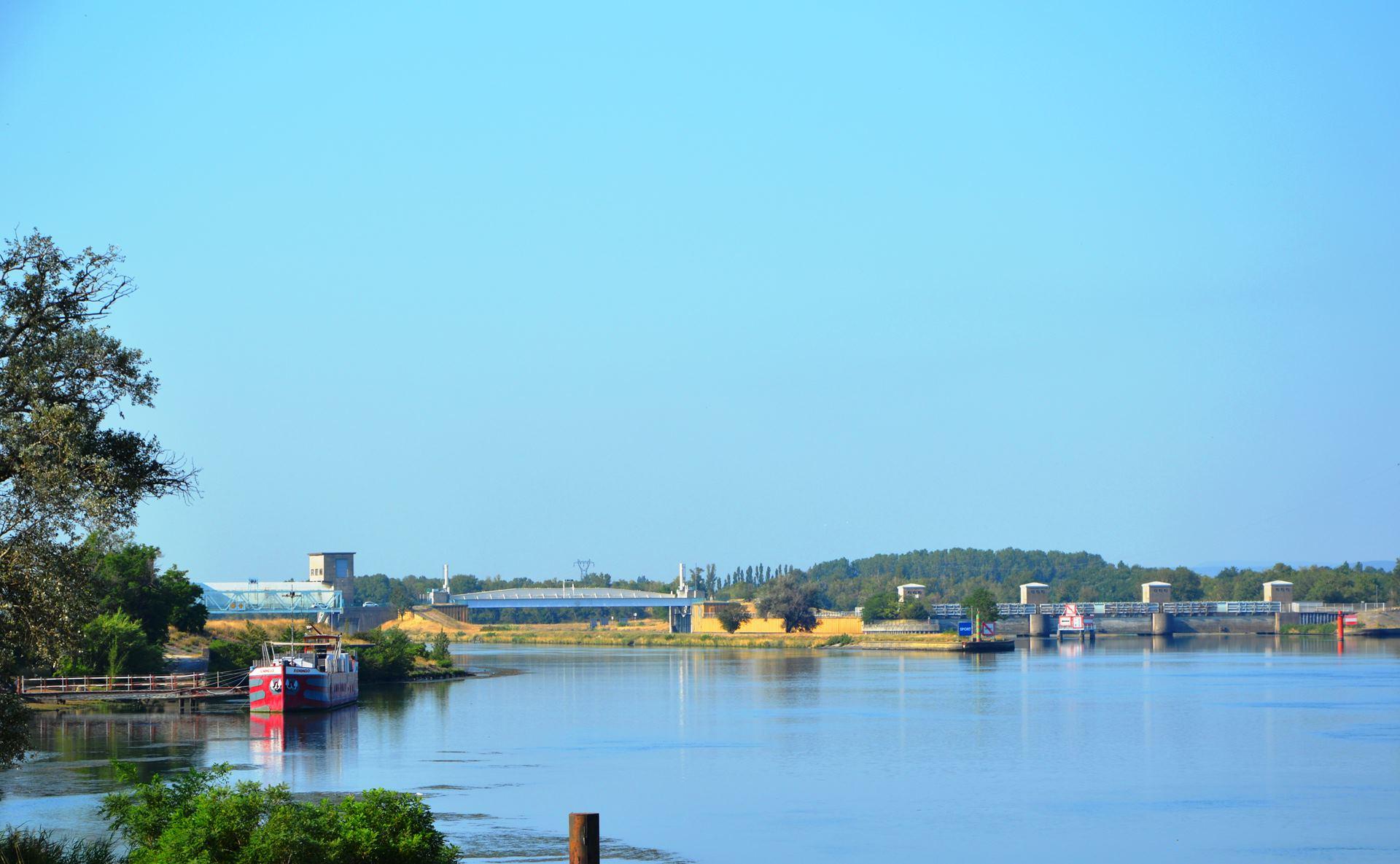 Barrage de Donzère à Mondragon à Donzère - 2